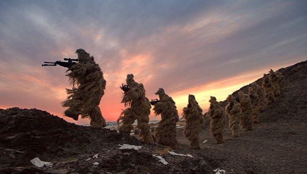 Солдаты Народно-освободительной армии Китая на тренировке