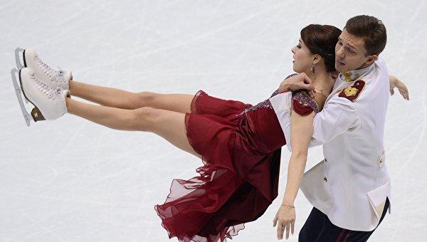 Екатерина Боброва и Дмитрий Соловьев выступают в произвольной программе танцев на льду на чемпионате Европы