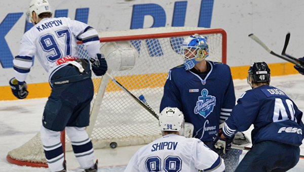 Хоккей. КХЛ. Матч Адмирал - Динамо (Москва)
