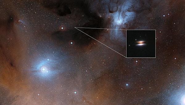 Летающая тарелка в созвездии Змееносца, звезда 2MASS J16281370-2431391
