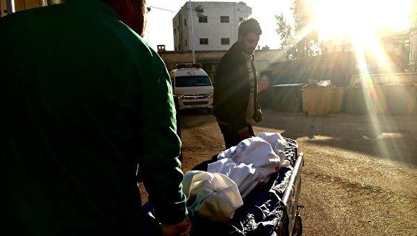 Пострадавшие в результате минометного обстрела террористов в больнице города Дераа