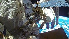 Выход в открытый космос. Архивное фото