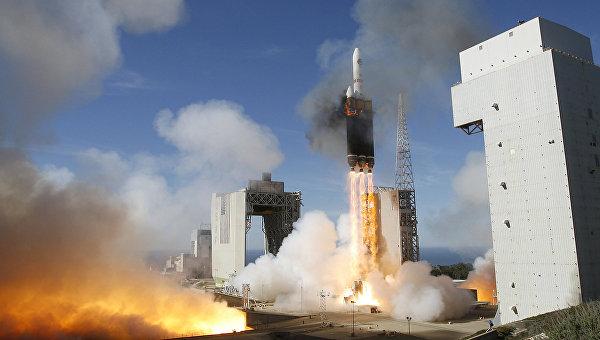 Запуск ракеты Delta 4 Heavy с базы ВВС США Ванденберг. Архивное фото