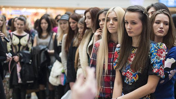 Девушки на открытом кастинге конкурса красоты Мисс Россия 2016. Архивное фото