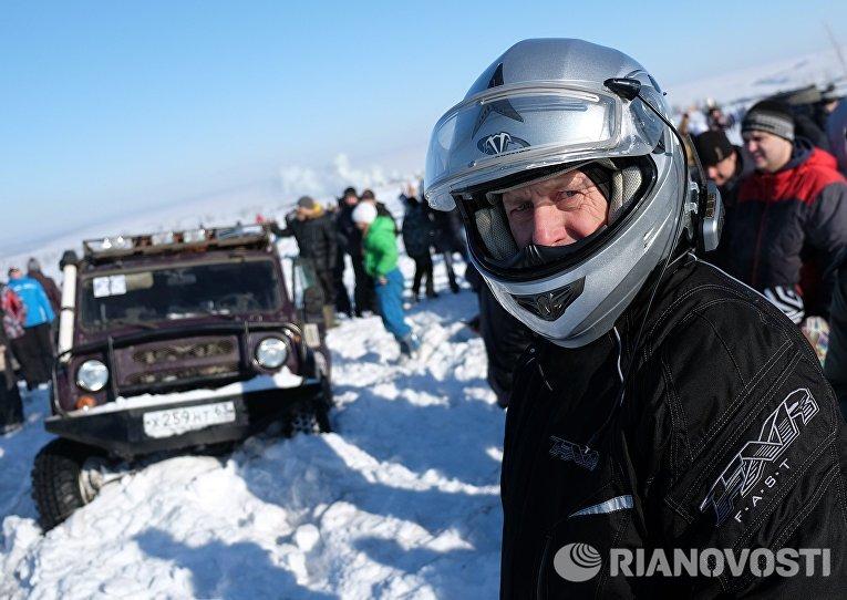 Участник ежегодного автомобильного спортивно-туристического внедорожного мероприятия Снежный беспредел
