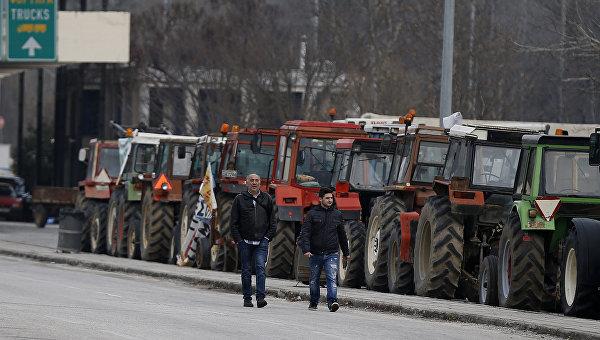 Тракторы на границе Болгарии и Греции