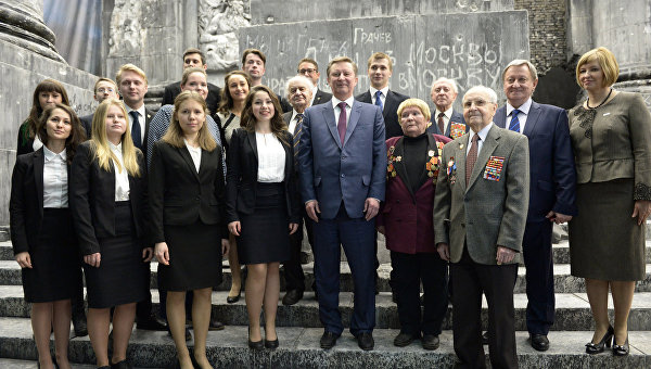 Руководитель администрации президента РФ Сергей Иванов на открытие трехмерной панорамы Битва за Берлин. Подвиг знаменосцев
