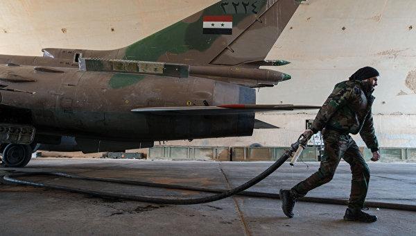 Самолет Военно-воздушных сил Сирии в провинции Хомс. Архивное фото