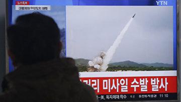 Кадры видео с запуска КНДР ракет малой дальности с восточного побережья полуострова в направлении Японского моря