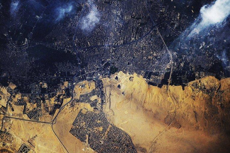 Снимок пирамид Гизы снятый с Международной космической станции