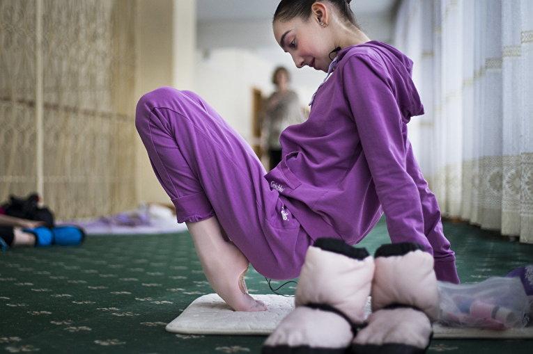 Харпер Ортлиб во время занятий в Московской государственной академии хореографии