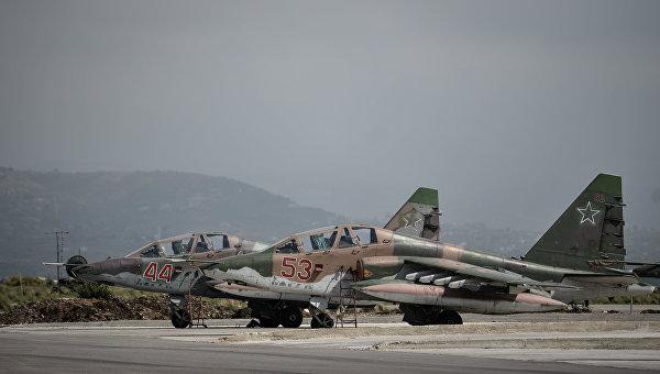 Российские штурмовики Су-25 на авиабазе Хмеймим в сирийской провинции Латакия