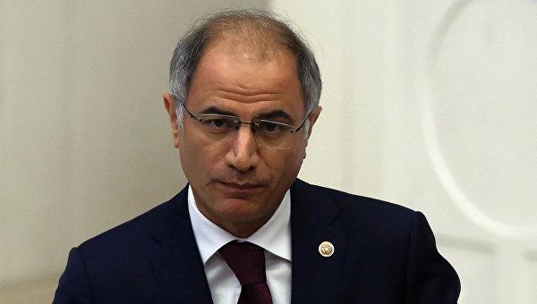 Министр внутренних дел Турции Эфкан Ала