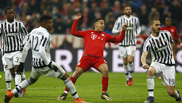 Матч 1/8 финала Лиги чемпионов между мюнхенской Баварией и итальянским Ювентусом. 16 марта 2016