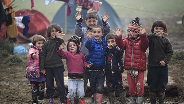 Дети-мигранты в деревне Идомени. Архивное фото