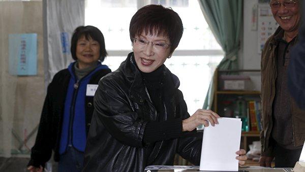 Хун Сючжу, первая в истории женщина - лидер партии Гоминьдан на Тайване, 26 марта 2016