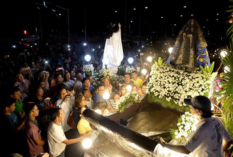 Празднование католической Пасхи в Маниле, Филиппины