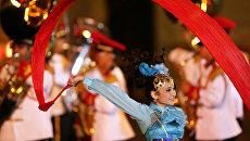 Музыканты Центрального военного оркестра Вооруженных Сил Сингапура на торжественной церемонии закрытия военно-музыкального фестиваля Спасская башня