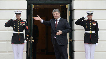 Президент Украины Петр Порошенко во время визита в США
