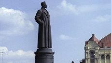 Памятник Феликсу Дзержинскому. Архивное фото