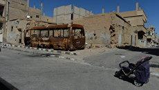 Разрушенные здания после обстрелов боевиков. Архивное фото