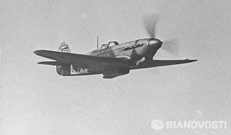 Истребитель Як-3 в полете