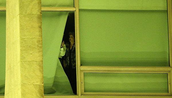 Роуссефф приказала вывезти вещи из дворца президента, не дожидаясь итогов голосования