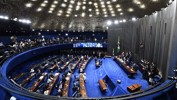 Руссефф вновь сообщила, что непокинет пост президента Бразилии добровольно