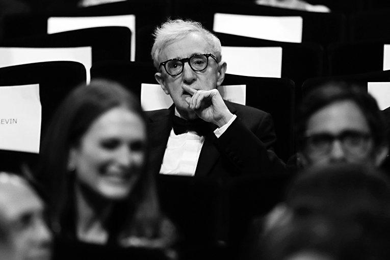 Режиссер Вуди Аллен перед показом фильма Светская жизнь в рамках 69-го Каннского кинофестиваля