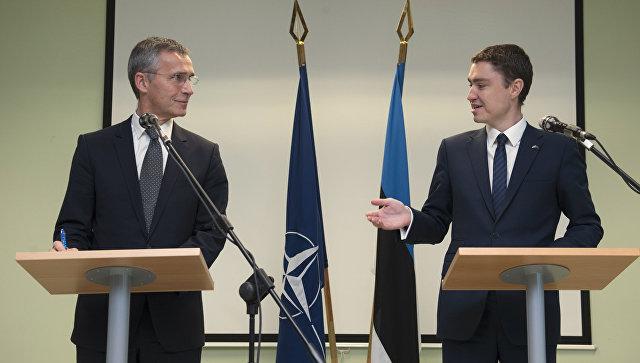 Премьер-министр Эстонии Таави Рыйвас и генсек НАТО Йенс Столтенберг. Архивное фото