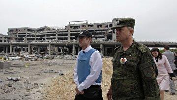 Помощник Генерального секретаря ООН в области прав человека Иван Шимонович (слева)