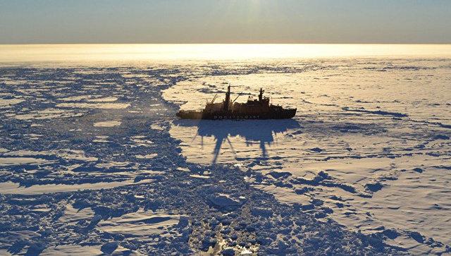 Атомный ледокол в Арктике. Архивное фото