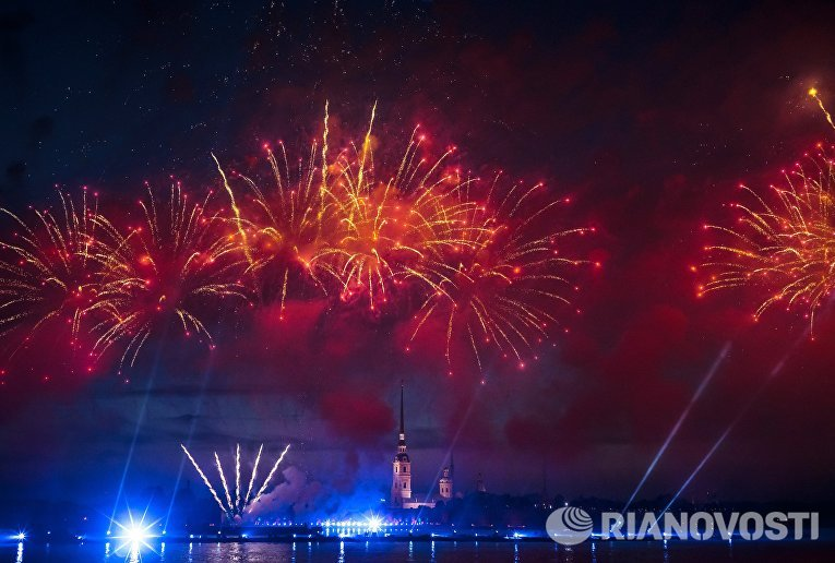 Праздник выпускников Алые паруса-2016 в Санкт-Петербурге