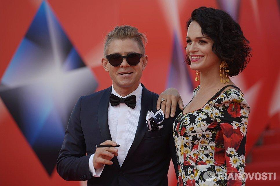 Певцы Митя Фомин и Слава перед началом церемонии закрытия 38-го Московского международного кинофестиваля