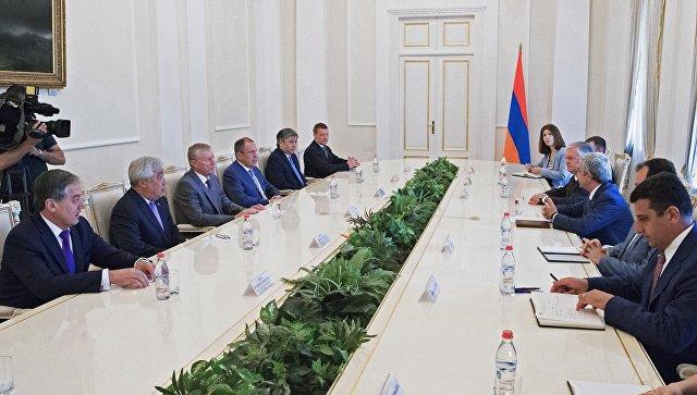 Визит главы МИД РФ С. Лаврова в Армению