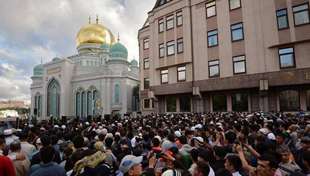 Соборная мечеть в Москве. Архивное фото