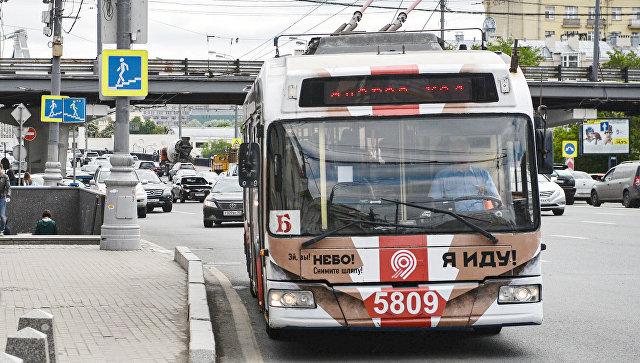 Троллейбус маршрута Б, проходящего по Садовому кольцу Москвы. Архивное фото
