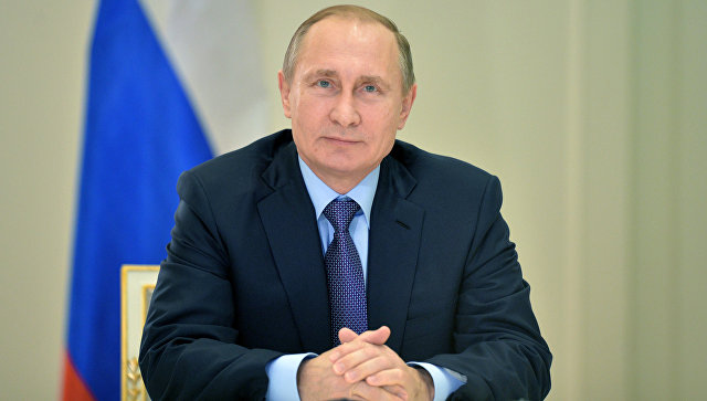 Президент РФ В.Путин . Архивное фото