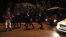 Военные на улице Стамбула, Турция