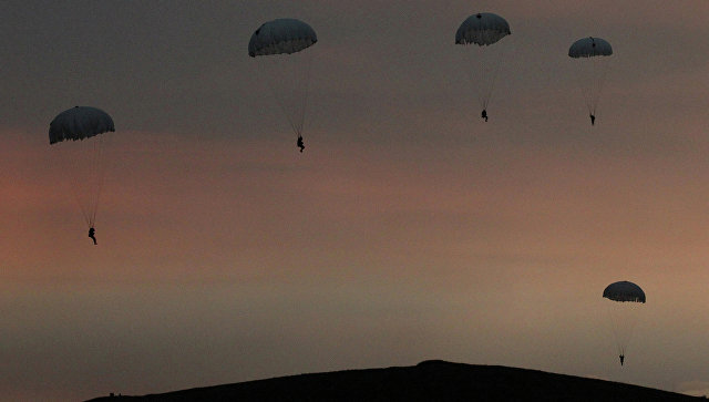 Учение по высадке воздушного десанта. Архивное фото