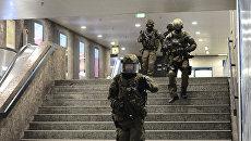 Полиция в метро на странции Карлсплатц. Мюнхен, 22 июля 2016