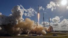 Запуск ракеты-носителя Falcon 9 компании SpaceX с тайский спутником Thaicom 8