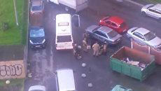 Кадры с места задержания предполагаемых боевиков в Санкт-Петербурге