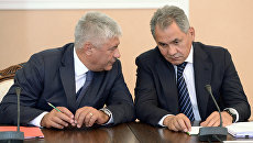 Глава МВД России Владимир Колокольцев и министр обороны Сергей Шойгу. Архивное фото