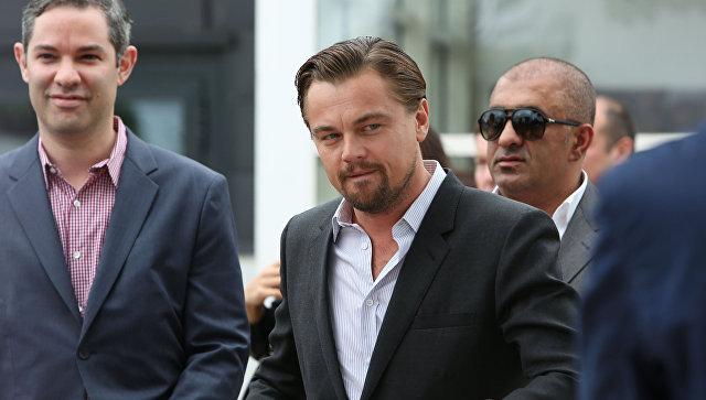 ДиКаприо передарил «Оскар» зафильм «Волк сУолл-Стрит» следователям