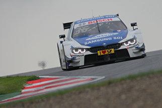 Пилот команды BMW Team RBM Максим Мартен (Бельгия) во время квалификации ко второй гонке российского этапа гоночной серии DTM
