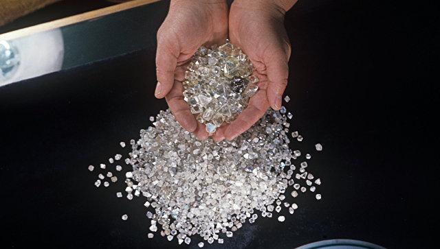 «Алроса» просит поменять правила вывоза бриллиантов зарубеж