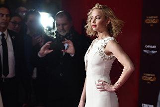 Американская актриса Дженнифер Лоуренс на премьере фильма Голодные игры - Часть 2 в Лос-Анджелесе. Ноябрь 2015