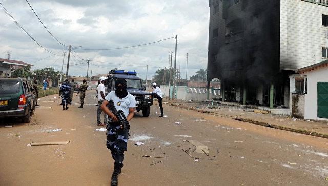 ВГабоне нигериец сножом ранил 2-х корреспондентов National Geographic