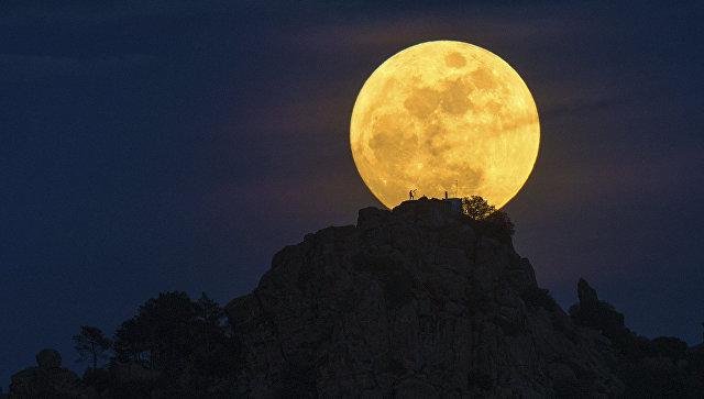 Dani Caxete, Man on the Moon. Участник конкурса Astronomy Photographer of the Year 2016